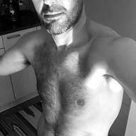 Gay Kontakte mit LarsDevil aus Lausanne